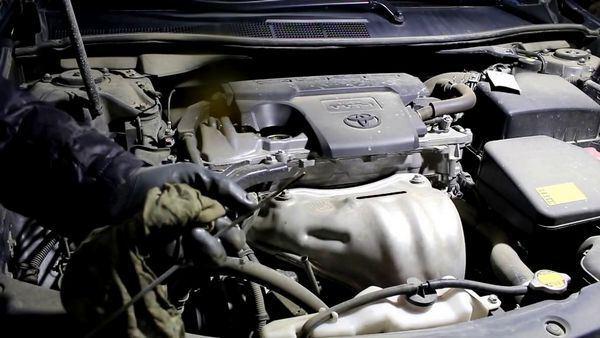 Какое масло заливать в двигатель Тойота Камри v40, инструкция по замене, видео