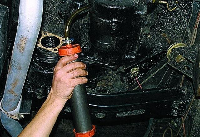 Сколько нужно литров масла для механической коробки передач УАЗ Хантер