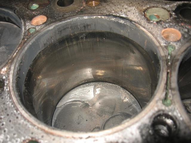 Какое масло лучше заливать в двигатель Мицубиси l200 2.4, 2.5