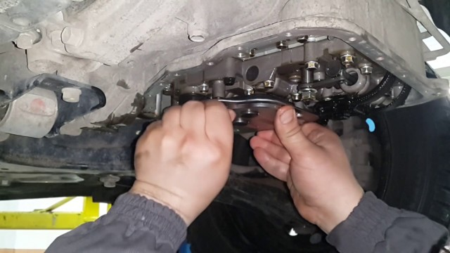 Сколько нужно литров масла для механической коробки передач Киа Серато
