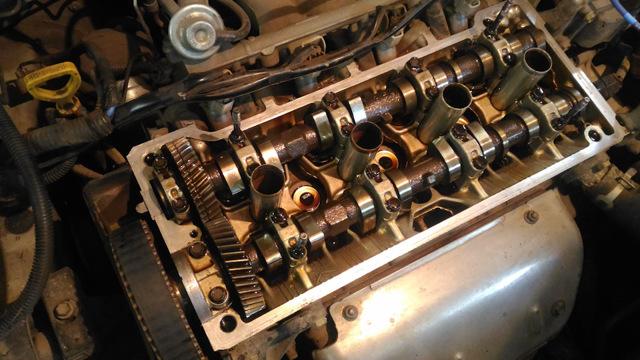 Сколько масла в двигателе Тойота Карина