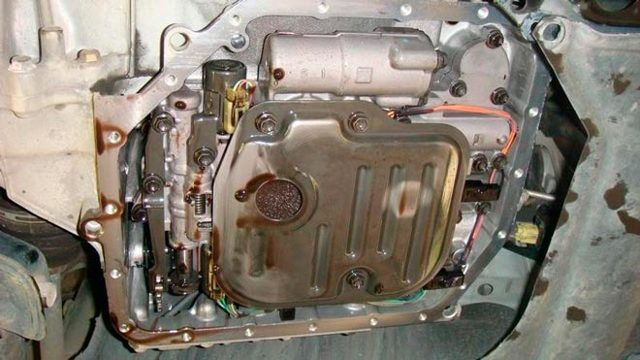 Сколько масла в МКПП (коробке передач) Тойота Камри v50 2.0, 2.5, 3.5