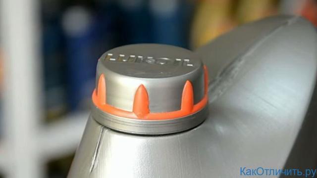 Обзор на моторное масло lukoil genesis armortech 5w-30: характеристики, отзывы. как отличить подделку?