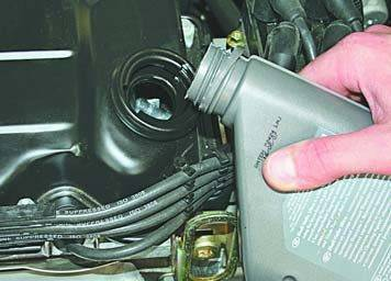 Какое масло заливать в двигатель Чери Индис