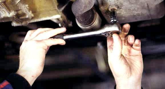 Сколько нужно литров масла для механической коробки передач Сузуки Гранд Витара