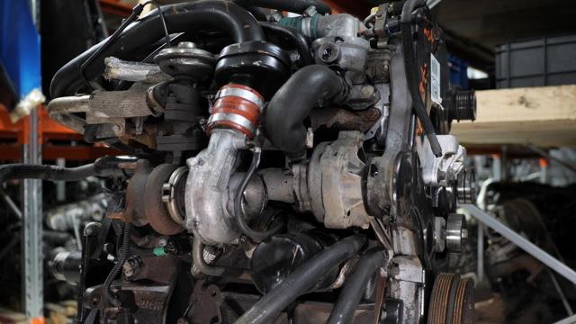 Сколько масла в двигателе Крайслер Вояджер