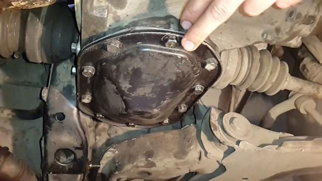 Сколько литров масла в механической коробке передач Рено Логан