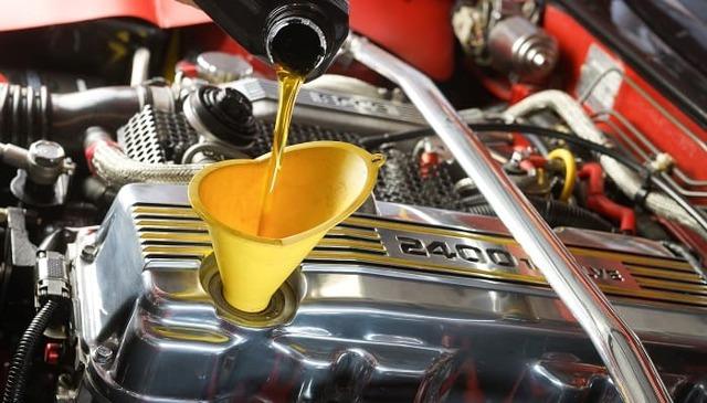 Сколько литров масла нужно заливать в двигатель 1.4 bud