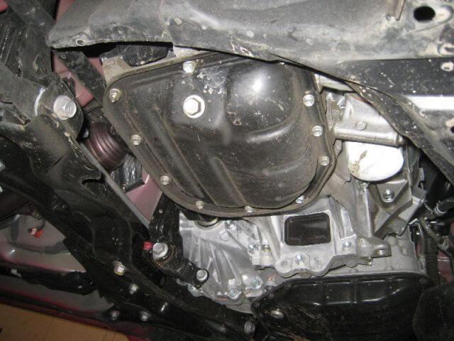 Сколько масла в двигателе Тойота Ярис
