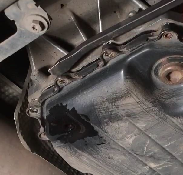 Сколько литров масла нужно заливать в АКПП Фольксваген Туарег