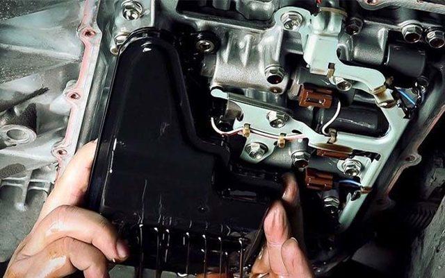 Замена масла в двигателе Ситроен С4 своими руками видео