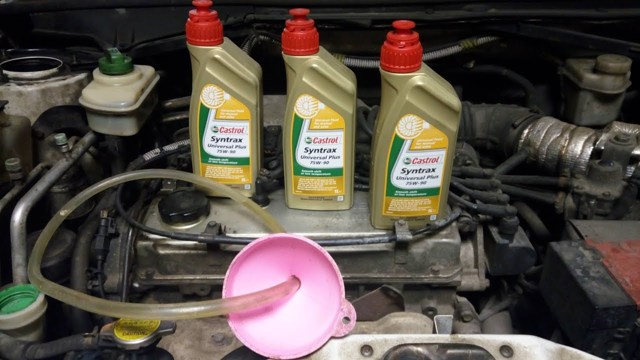 Сколько нужно литров масла для механической коробки передач Пежо 207