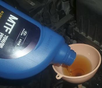 Сколько литров масла в механической коробке передач Киа Рио