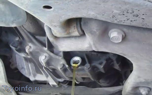 Сколько масла в двигателе Тойота Королла 150
