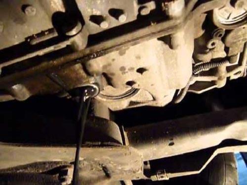 Сколько нужно литров масла для механической коробки передач Пежо 308