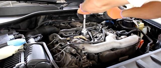 Сколько литров масла нужно заливать в двигатель Ауди q7 2.0, 3.0, 3.6, 4.2, 6.0