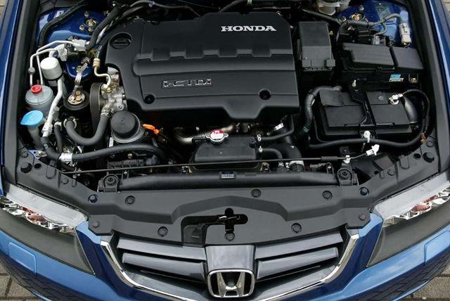 Сколько литров масла нужно заливать в двигатель Хонда Аккорд 7 2.0, 2.2, 2.4, 3.0