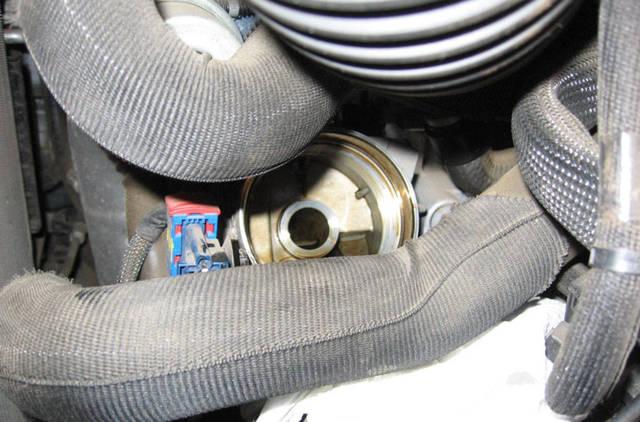 Сколько масла в двигателе Пежо 408