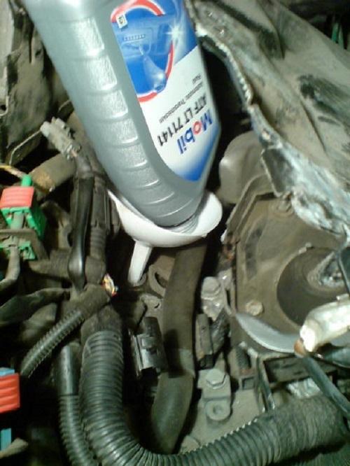 Сколько литров масла нужно заливать в АКПП Пежо 308